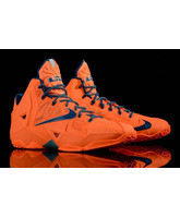 """Lebron XI """"HWC Atomic Orange"""" (800/naranja/azul/gris)"""
