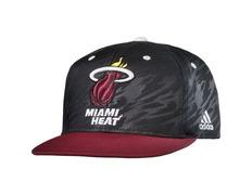 Gorra Flatbrim Miami Heat Bordada (negro rojo blanco) 3c71a07c7b6