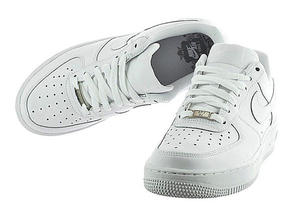nike air force 1 etiqueta