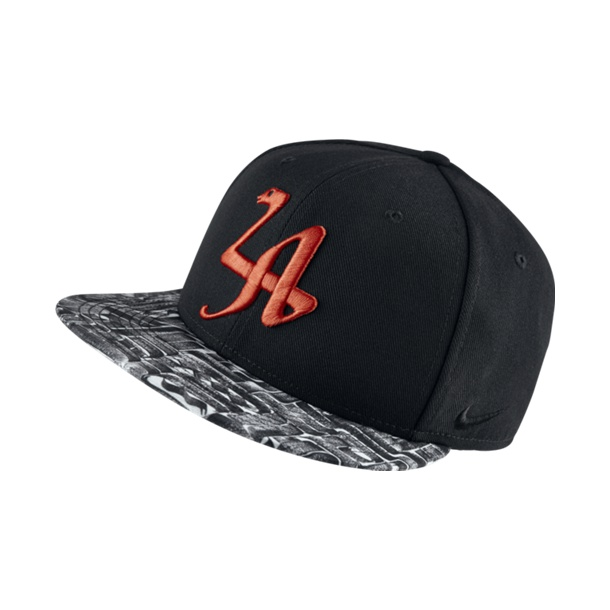 Kobe Mamba Legend True Snapback Hat (010 negro blanco crimson) 78fb3485876