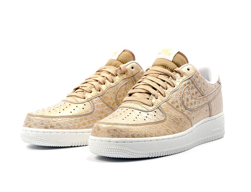 uk availability 6820d dec00 Nike Air Force 1 07 LV8